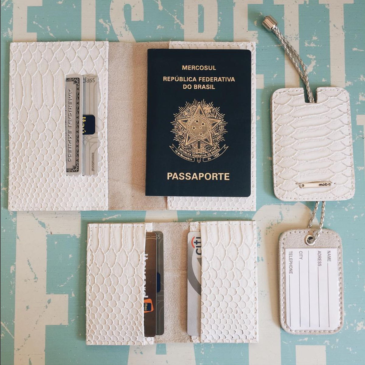 TRAVEL KIT SLIM